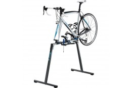 TACX remonta stends...